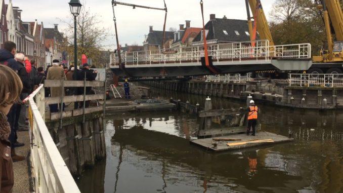 Herplaatsing Franekereindsbrug