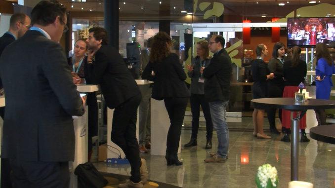Waterbedrijven netwerken op Waterlink Symposium