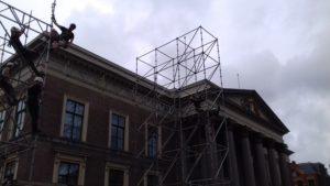 Op het Zaailand in Leeuwarden zijn de voorbereidingen voor het relispektakel The Passion in volle gang. Donderdag om 20:30u wordt de show live uitgezonden op NPO1.
